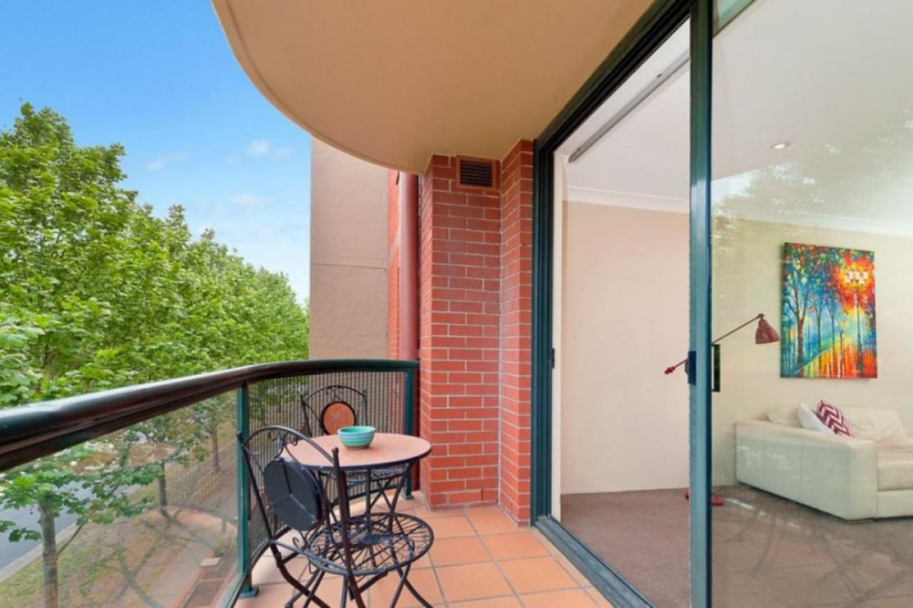 Oversize Two Bedroom Apartment In Sydney Park Village Erskineville 2302 177 Mitchell Road