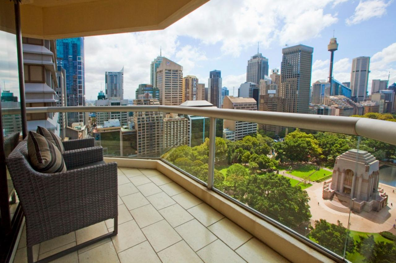 Northerly Aspect Designer Finishes With Wraparound Views Magical By Day Or Night The Connaught 2002 187 Liverpool Street Sydney